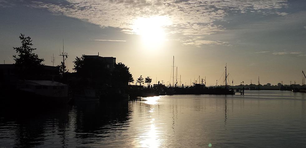 Hafen-sonnenaufgang