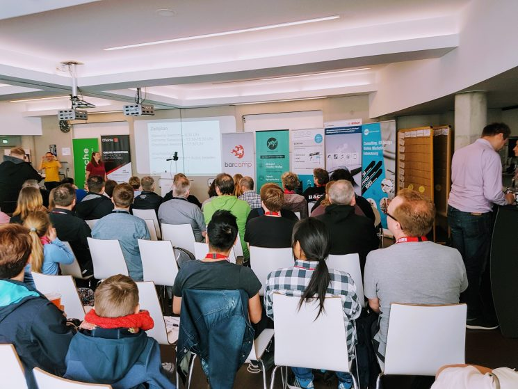 Die Welcome Session des Barcamp Hannover 2019 im Raum der Buhmann Schule Hannover