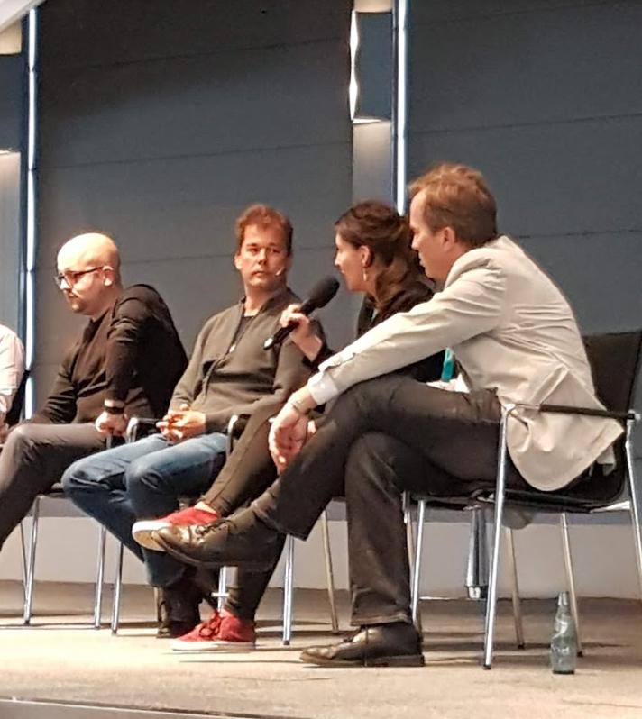 Die Referenten sprechen über den AMAZON Live Hack auf der Merchantday Bühne