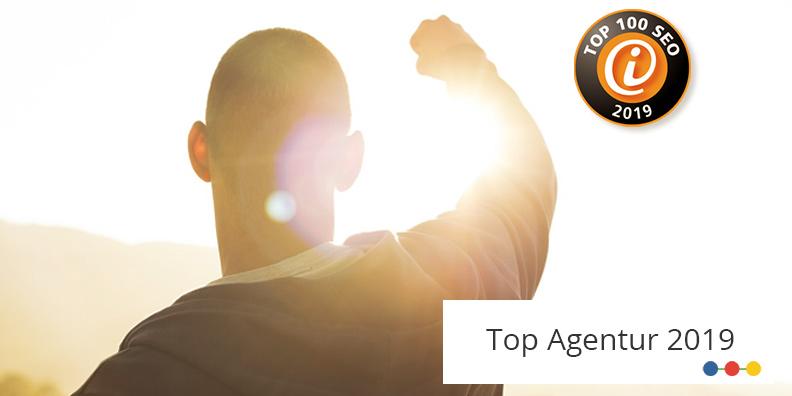 Bildmotiv Mann hebt den Arm - ABAKUS Internet Marketing zählt zu den Top 100 SEO Agenturen Deutschlands