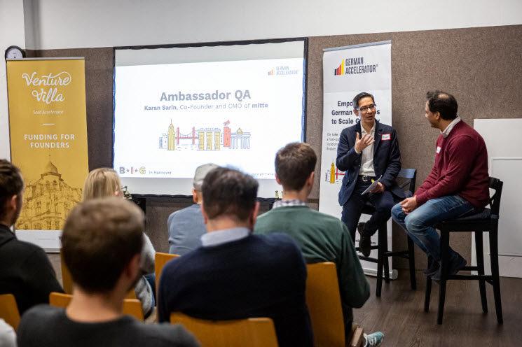 Alumni Talk zwischen dem Experten der German Accelerator Edgar-John Vogt vund dem Co-Founder und CMO von mitte®, Karan Sarin